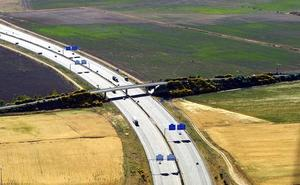 Castilla y León suma 576 kilómetros de tramos viarios con riesgo para el transporte de mercancías peligrosas