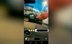Identificado un joven en Ponferrada tras subir un vídeo a redes conduciendo con su amigo en el capó