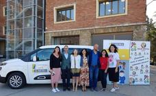 La fundación Alimerka financia una furgoneta para Alfaem que mejorará «el transporte de los alimentos» de los 50 usuarios
