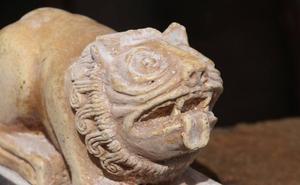 Los leones románicos de San Isidoro coronarán el sepulcro de Alfonso VI en Sahagún