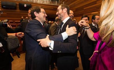 Mañueco señala que Maroto «ha venido y vendrá» a Sotosalbos y «defenderá los intereses de la Comunidad»