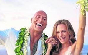 'La Roca' se casa en Hawái