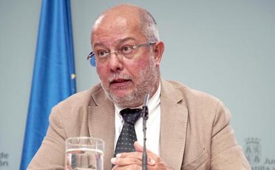 Igea atribuye el aumento de altos cargos en la Junta a la «peculiaridad» de un Gobierno de coalición