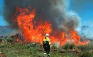 UGT critica el «continuismo» en el operativo de incendios respecto al Gobierno anterior de la Junta