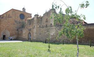 El claustro del Monasterio de Sandoval acoge este sábado un recital de ópera y zarzuela