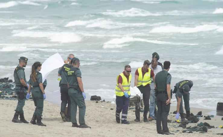 Muere un piloto del Ejército del Aire al estrellarse con su avión frente a La Manga