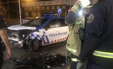 Embisten a una patrulla de la Policía Local de Valladolid ante una alerta por robo en una gasolinera
