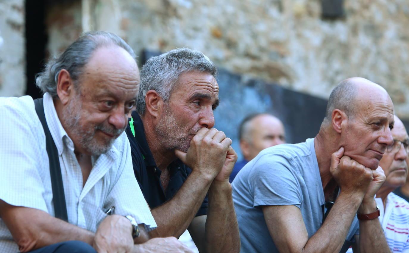 Acto de homenaje de la ARMH a las víctimas de desapariciones forzadas en Ponferrada