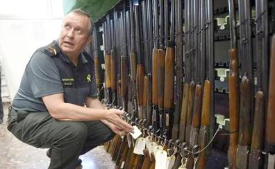La Comandancia de la Guardia Civil de León subastará en octubre 359 armas