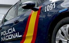Identificadas en León capital cuatro personas con armas blancas y un pasamontañas tras dañar numerosos vehículos