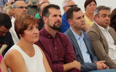 Tudanca lamenta que el «viejo gobierno» quiera hacer «más difícil» la vida en el medio rural de León