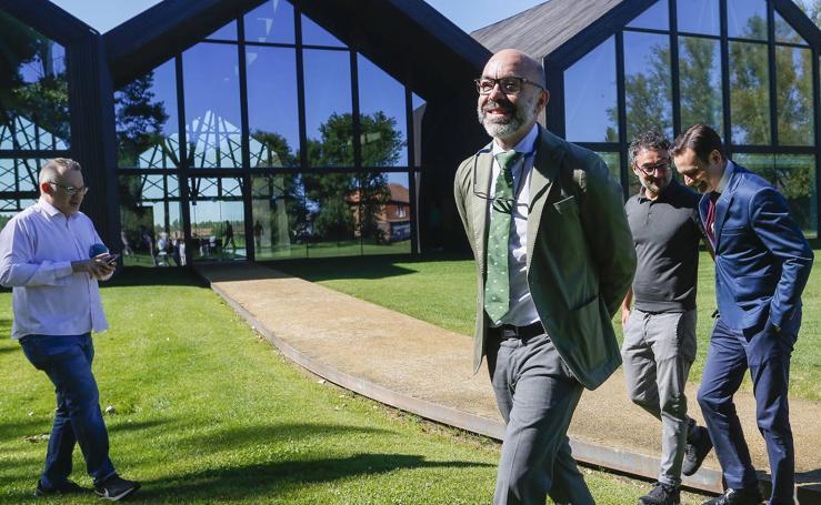 El consejero de Cultura visita la Fundación Cerezales
