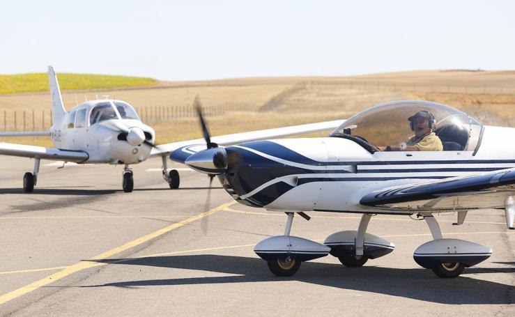 El aeródromo de Pajares de los Oteros acoge a los integrantes del XVI Raid Ibérico