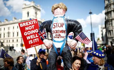 Bruselas habilitará 780 millones en ayudas para paliar un 'brexit' duro