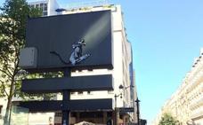 Roban una obra de Banksy a las puertas del Pompidou de París