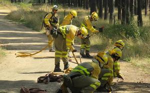 Extinguido el incendio en Caldas de Luna tras calcinar ocho hectáreas de matorral