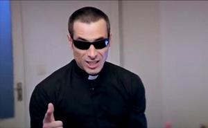 El sacerdote leonés Rubén Gallego seguirá dando misa en la isla de La Palma por tiempo indeterminado