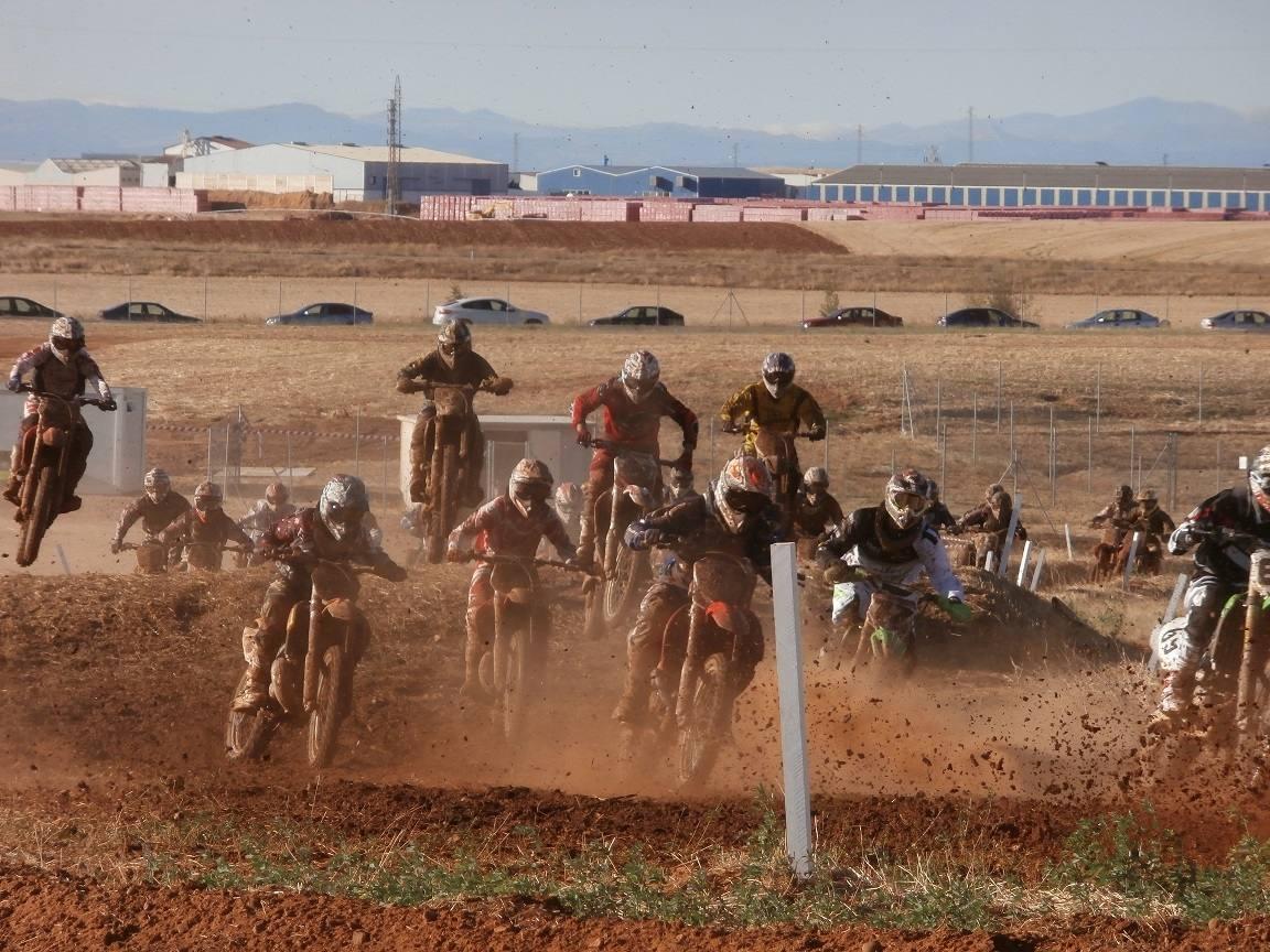 Competición en el Circuito Los Cucharales
