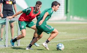 El Elche de Claudio preparará el partido ante el Oviedo en León
