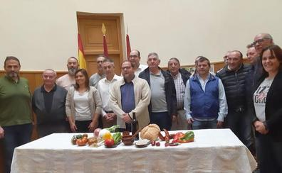 La Bañeza presenta al equipo de cocineros de la Alubiada