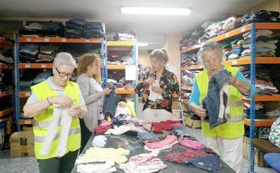 El Espacio Solidario de San Andrés ha repartido cerca de un centenar de lotes de ropa hasta septiembre