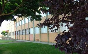 UGT denuncia que el instituto de Valencia de Don Juan no cuenta con los suficientes profesores para iniciar el curso