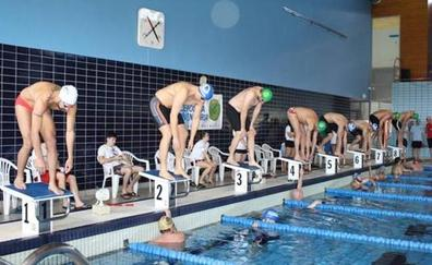 El Ayuntamiento de León oferta más de 2.000 plazas en cursos de natación para todas las edades