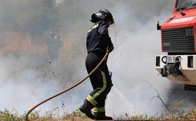 Extinguido el incendio en los alrededores del Matadero en Oteruelo
