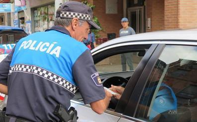 Ni Whatsapp, ni GPS, ni fumar: al volante, cero distracciones en León