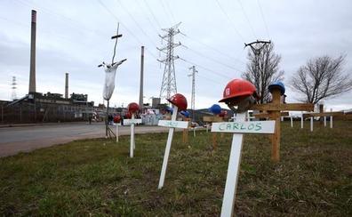 Las auxiliares de Endesa piden a la Junta que cumpla el compromiso de recolocaciones en las labores de mantenimiento de la planta de biomasa de Forestalia