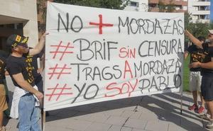 Las brigadas forestales se amordazan para denunciar el atentado de Tragsa a la libertad de expresión y la injusta sanción a Pablo