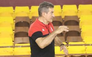 Cadenas encuentra «connotaciones especiales» en el duelo ante el Atlético Valladolid