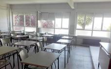 Los alumnos del Fernando I de Valencia de Don Juan no entran a clase y la directora del centro dimite