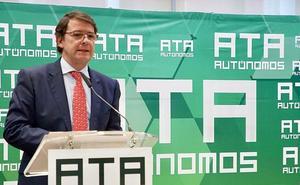 Mañueco anuncia mayores coberturas para autónomos y mejoras a los emprendedores