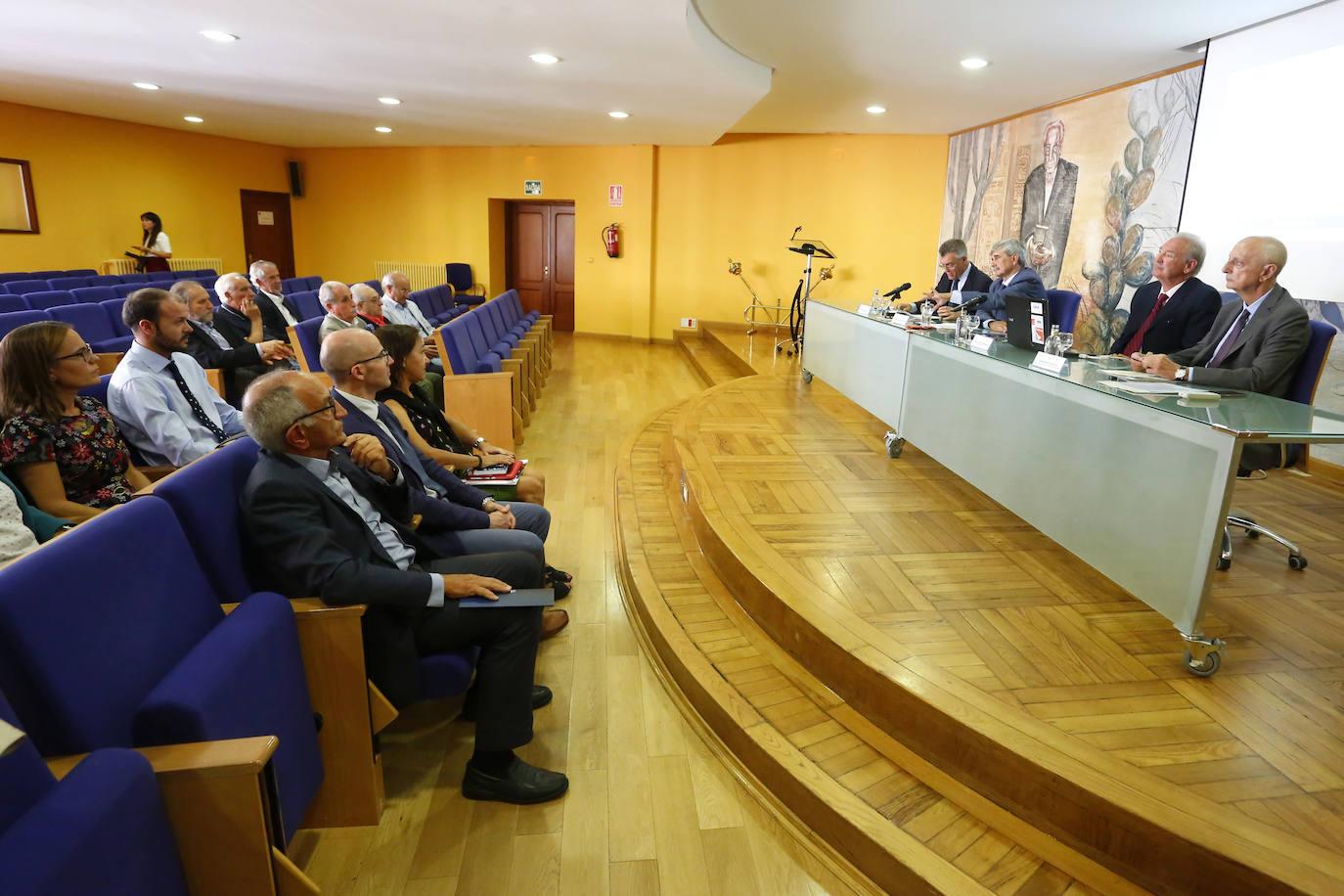 Presentación del informe sobre la intención emprendedora de los egreasdos de la ULE
