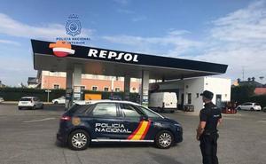 La Policía Nacional detiene al autor de los robos con fuerza en dos gasolineras de Ponferrada