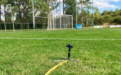 El PP reclama al Ayuntamiento que asuma el riego automático y la siega del campo de fútbol de Villabalter