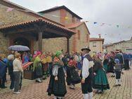 Llamas de la Ribera celebra los 100 años la 'Tía Engracia'