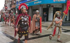 La Bañeza celebra el Día de la Ruta Vía de la Plata congregando a miles de asistentes