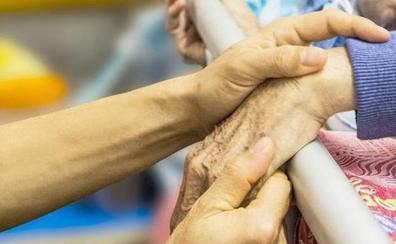 IU denuncia que la ratio de enfermeras en residencias de mayores está inferior a la media y pide soluciones
