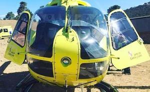 Trasladada en helicóptero a León a una mujer de 81 años atropellada en la calle Canal de Camponaraya