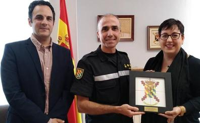 Camino Cabañas recibe al nuevo jefe de la V Batallón de la UME