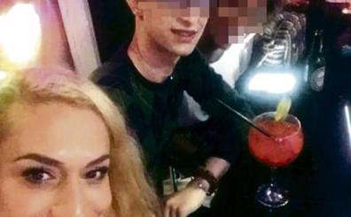 El detenido en la estación de tren León por el crimen de Avilés llevaba puesto un vestido de mujer