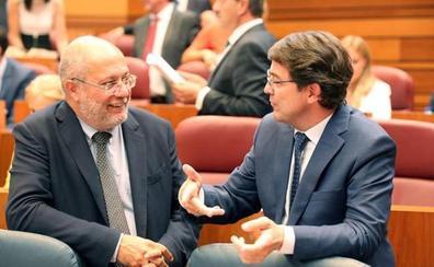 El PSOE acusa a PP y Cs de convertir en un «basurero» a la Junta con los nuevos nombramientos en puestos de confianza