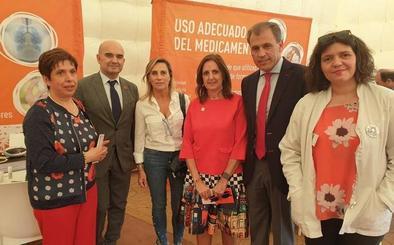 La carpa 'El farmacéutico que necesitas' muestra en León el valor de los servicios farmacéuticos