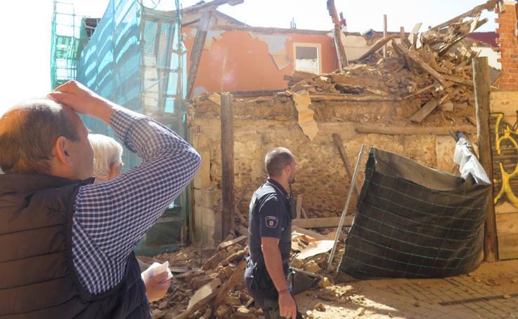 Una casa se desploma en León