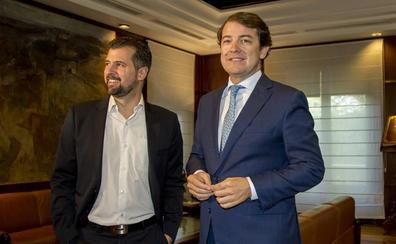Los pactos firmados con Herrera servirán de base a la relación de Mañueco y Tudanca