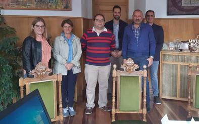 El Ayuntamiento de La Bañeza muestra su apoyo a la Azucarera, que estima más rendimiento este año
