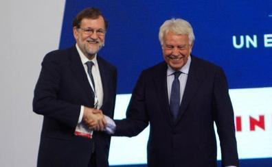 Rajoy y González abogan por pactos para un Gobierno estable tras el 10-N