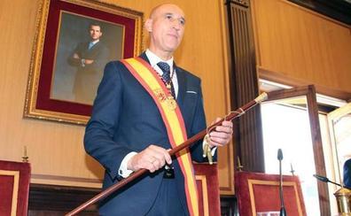 El alcalde de León, José Antonio Diez, visitará Catar en busca de inversiones invitado por la Cultural